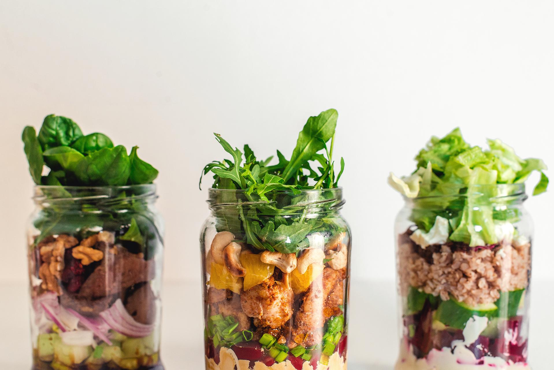 swieze salatki w sloiku 02