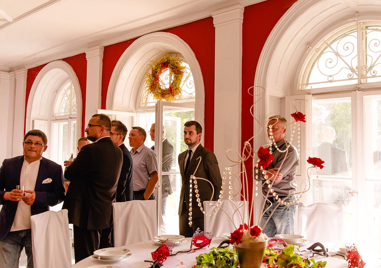 Przyjęcie biznesowe w Pałacu Drwalew oraz 8 wskazówek jak podejść do organizacji imprezy firmowej 06