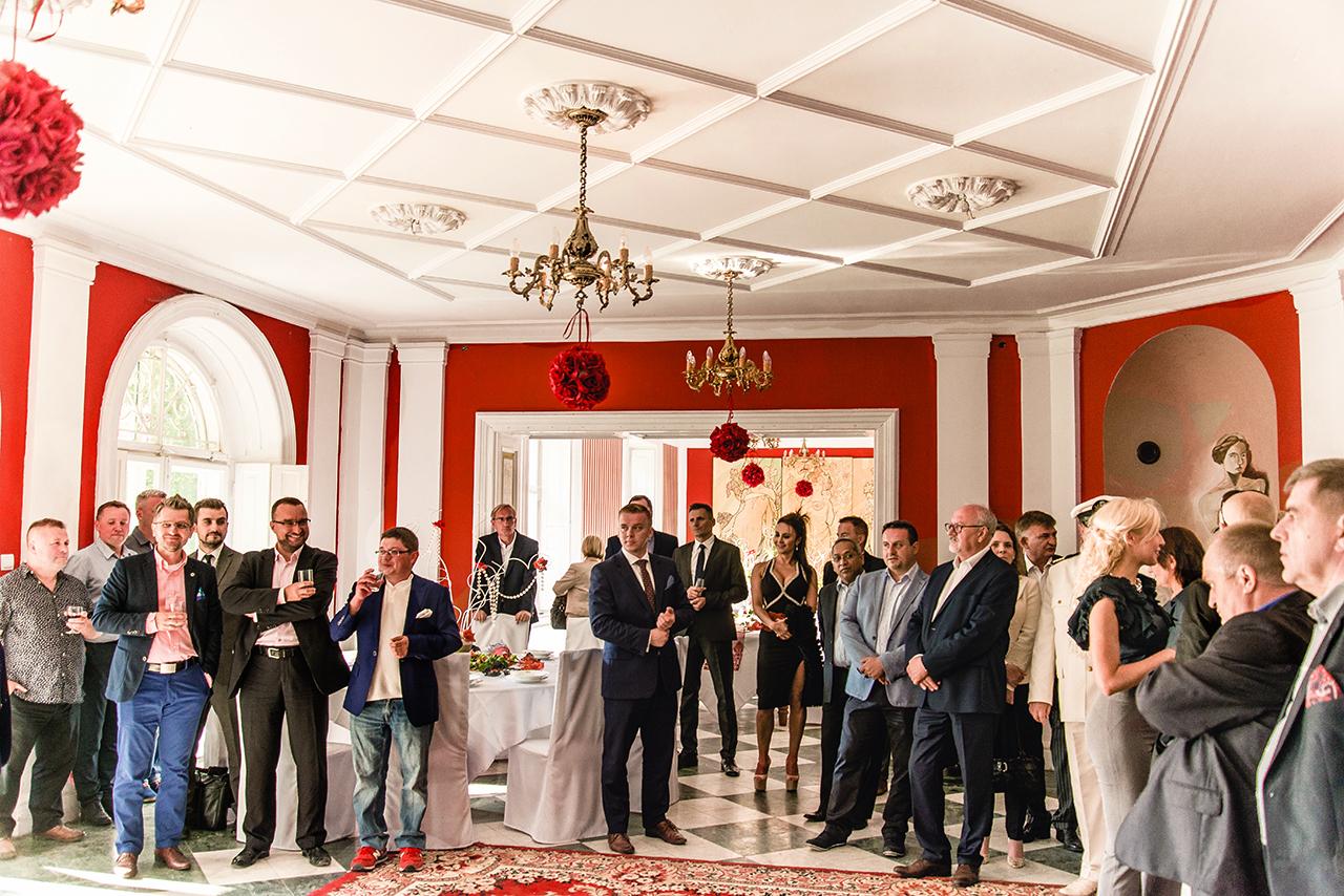 Przyjęcie biznesowe w Pałacu Drwalew oraz 8 wskazówek jak podejść do organizacji imprezy firmowej 22