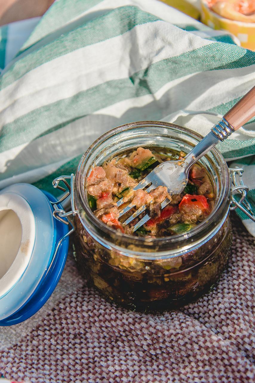 Letni piknik na plaży oraz przepis na Ratatouille z kiełbaskami chorizo 05