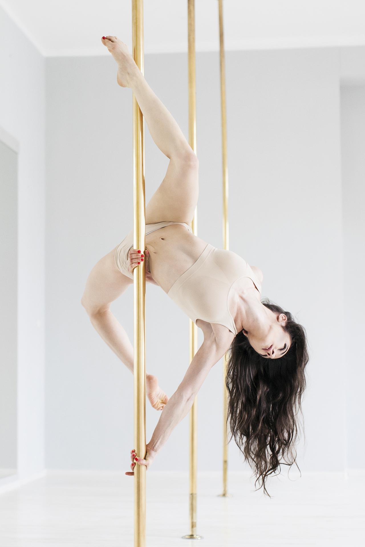 Marta Janda – tancerka romansująca z rurką