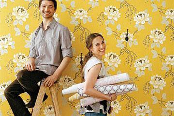 Tapeta wraca do łask! Jak perfekcyjnie położyć tapetę na ścianę? Krok po kroku.